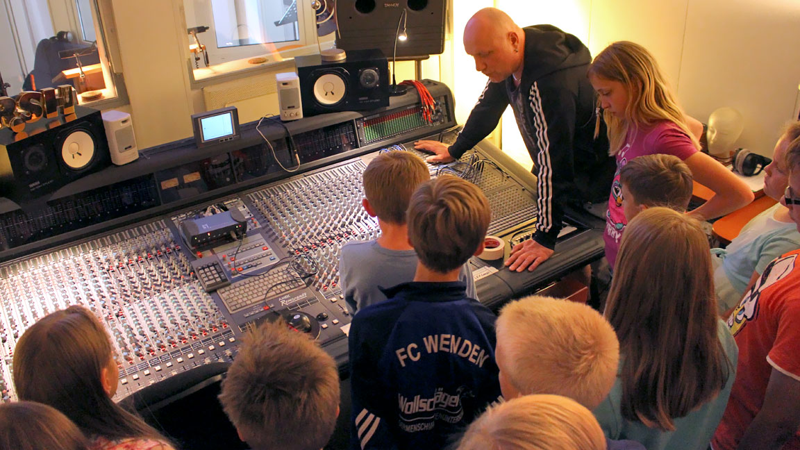 kinder im tonstudio